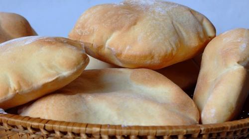 ترجيح رفع أسعار جميع أنواع الخبز باستثناء الشراك والعربي